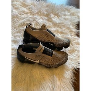 Nike Vapormax FlyKnit Running Shoe Size 8